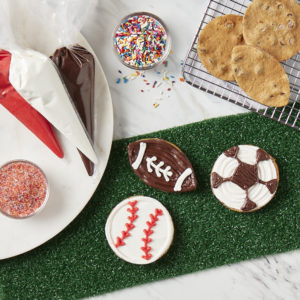 Picture of Sports Decorating Kit (6 Count)